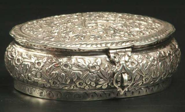 H 134 SILVER PLATED DRY FRUIT OR JEWELLERY BOX AVAILABLE IN MANY SHAPE,DESIGN AND SIZES